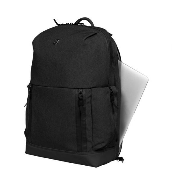 Victorinox Altmont Classic Deluxe Laptop Backpack, crni